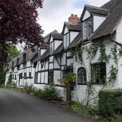 Cottages, Stratford-Upon-Avon
