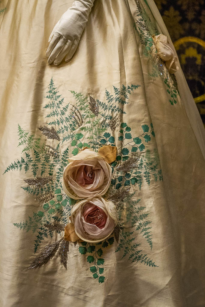 Details on dress, Pitti Palace