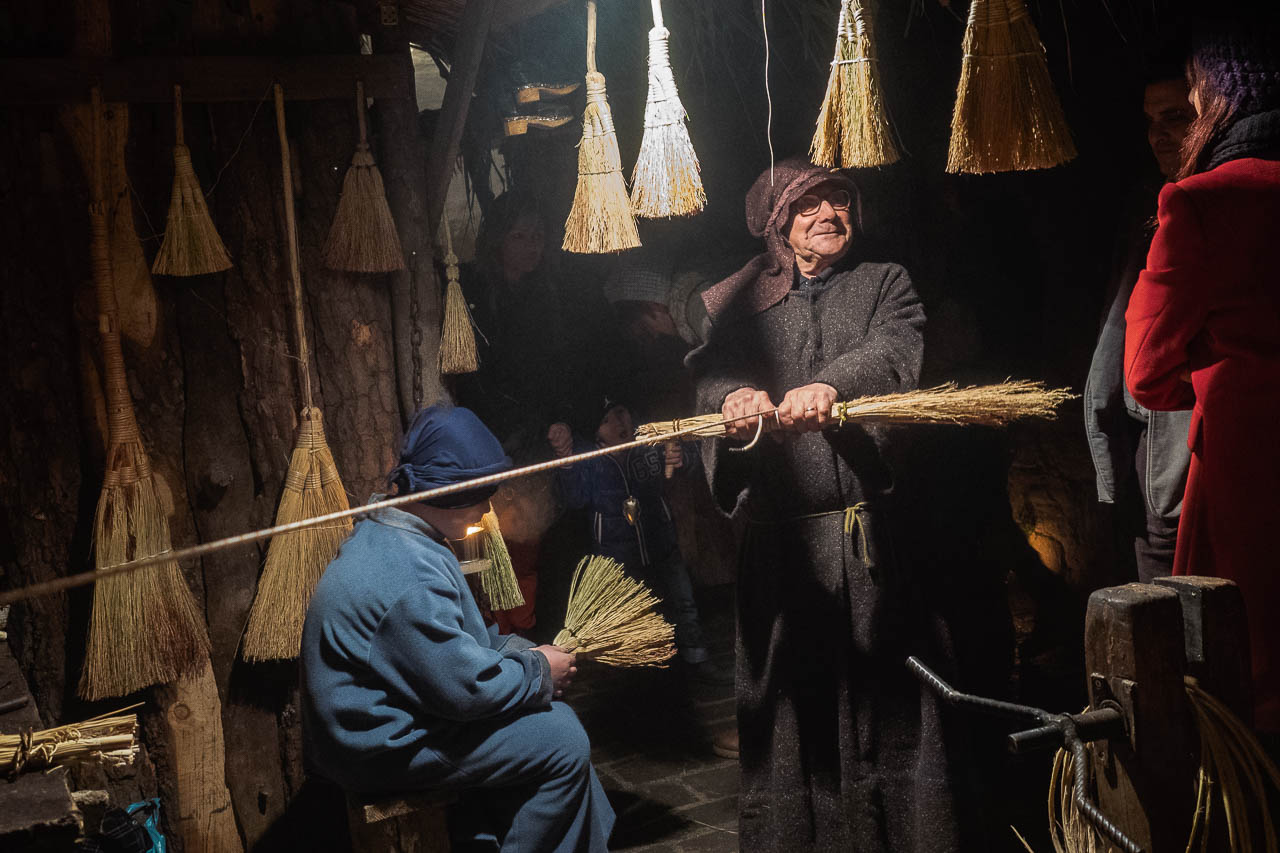 Broom Maker in Petrignano d'Assisi